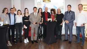 Ahmet Selçuk İlkan sanatevi açtı