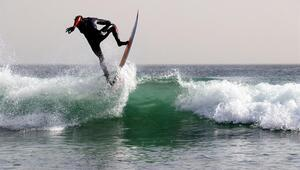 Dakar sahilleri sörf tutkunlarını ağırlamayı bekliyor