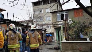 Sultanbeylide 2 katlı binada yangın