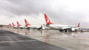 Karmaşık sistem depremi... Boeing'in 737 MAX uçaklarına hava sahaları kapatıldı, uçaklar hangara çekildi