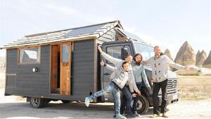 Ev görünümlü karavanla dünya turuna çıktılar