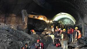 Tünel inşaatında göçük altında kalan işçi öldü