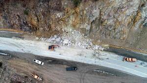 Zigana Geçidine düşen kaya parçaları kazaya yol açtı; sürücüler önlem istedi