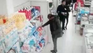 Marketten mama çalarken kamera ve kasiyere yakalandı