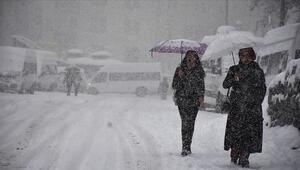 Ulaşıma kar ve tipi engeli