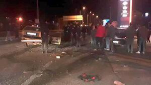 Mengende kavşakta otomobiller çarpıştı: 1 ölü, 2 yaralı