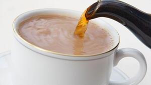 Sütlü çay nasıl yapılır Sütlü çay tarifi