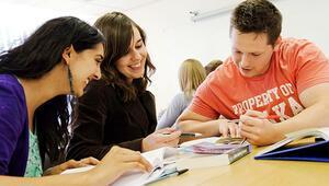 Üniversite öğrencilerine cep harçlığı geliyor
