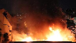 Şişli'de hurda deposu alev alev yandı