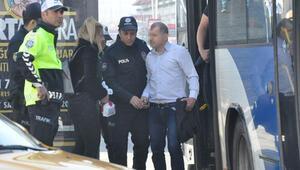 Ankarada belediye otobüsünde şoke eden olay Genç kız çığlık atınca....