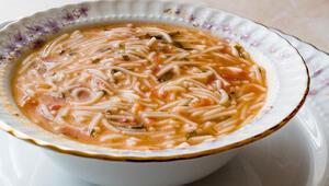 Hem içinizi ısıtacak hem de lezzete doymanızı sağlayacak şehriye çorbası tarifleri