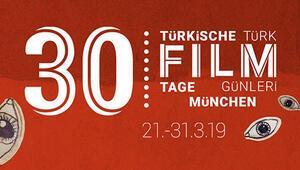 30. yılın şerefine 12 uzun metrajlı 5 belgesel ve 8 kısa film