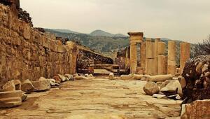 Heyelanın koruduğu antik kent Tripolis