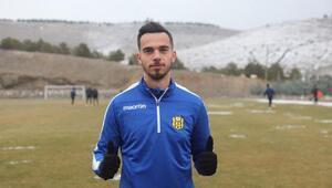 Fenerbahçede Ozan Tufan ve Barış Alıcıya kamp şansı doğdu