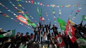 HDPnin İzmirdeki nevruz kutlamasında PKK sloganları atıldı