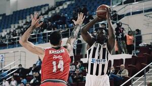 Pınar Karşıyaka, Sakaryada farklı kazandı