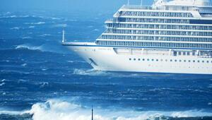 397 yolcu kurtarıldı, 976 kişi yardım bekliyor
