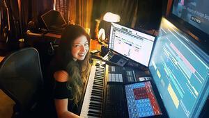 Marvel müziklerini yapan ilk kadın Pınar Toprak Varietye konuştu