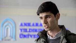 Engelli üniversite öğrencisi kitaplarına göz olacak cihazı bekliyor