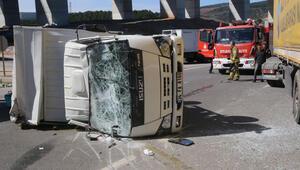 Son dakika... TIRla kamyonet çarpıştı: 2 yaralı