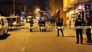 İstanbulda kanlı gece Cadde ortasında pompalı tüfekle vuruldu