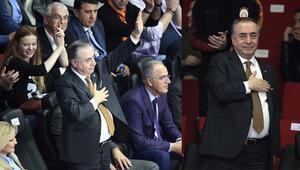 Galatasaray taraftarlarına teşekkür ediyorum