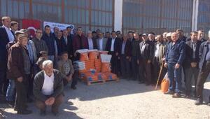 Emet'te silajlık mısır tohumu dağıtıldı