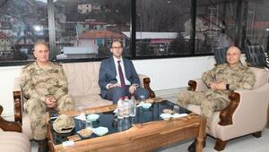 Tümgeneral İlbaştan Kaymakam Türkmene Ziyaret