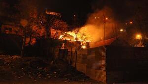 Ankarada hurda deposu alev alev yandı