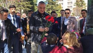 Bakan Ersoy, Sevgi Yürüyüşüne katıldı