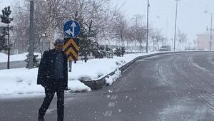 Karlıova seçmen, kar altında sandığa gitti