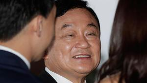 Tayland Kralı, eski Başbakan Taksin Şinavatranın madalyalarını geri aldı
