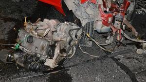D-100de meydana gelen kazada aracın motoru yerinden fırladı