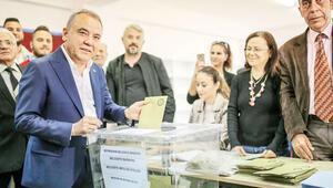 CHP Antalya'yı geri aldı
