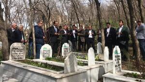 Şemdinlinin yeni başkanından Ahmet Budakın mezarına ziyaret
