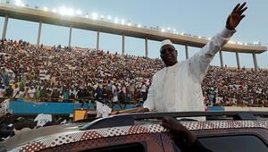 Senegal Cumhurbaşkanı Sall, yemin ederek görevine başladı