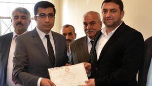 Mut Belediye Başkanı Volkan Şeker mazbatasını aldı