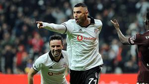 Beşiktaşta yeni kaptan Burak Yılmaz