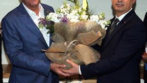 Gölbaşı Belediyesinde devir teslim töreni yapıldı