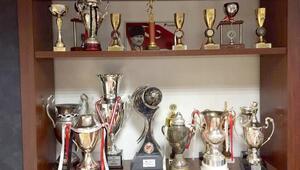 Manisaspor'un kupaları ikinci kez açık arttırmada
