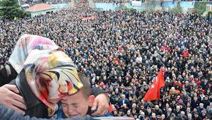 Necmeddin öğretmeni on binlerce kişi uğurladı