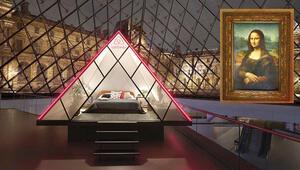 Mona LIsa'yla Louvre'da bir gece
