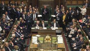 Avam Kamarasından anlaşmasız Brexiti önleyecek tasarıya onay
