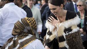 Yeni Zelanda Başbakanı cüzdanını unutan annenin parasını ödemiş