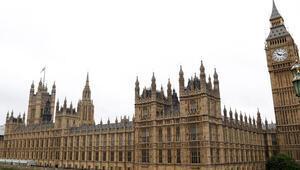 Su sızıntısı İngiltere Parlamentosunu tatil ettirdi