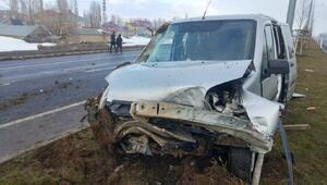 Hafif ticari araç takla attı: 1 çocuk öldü, 2si çocuk 6 yaralı