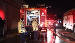 Ataşehirde deterjan fabrikasında yangın