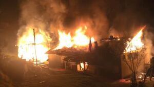 Odunlukta çıkan yangın evi yaktı