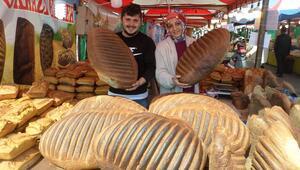 20 kiloluk ekmekler görenleri şaşırtıyor