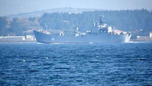 Rus askeri gemisi Orsk Çanakkale Boğazından geçti